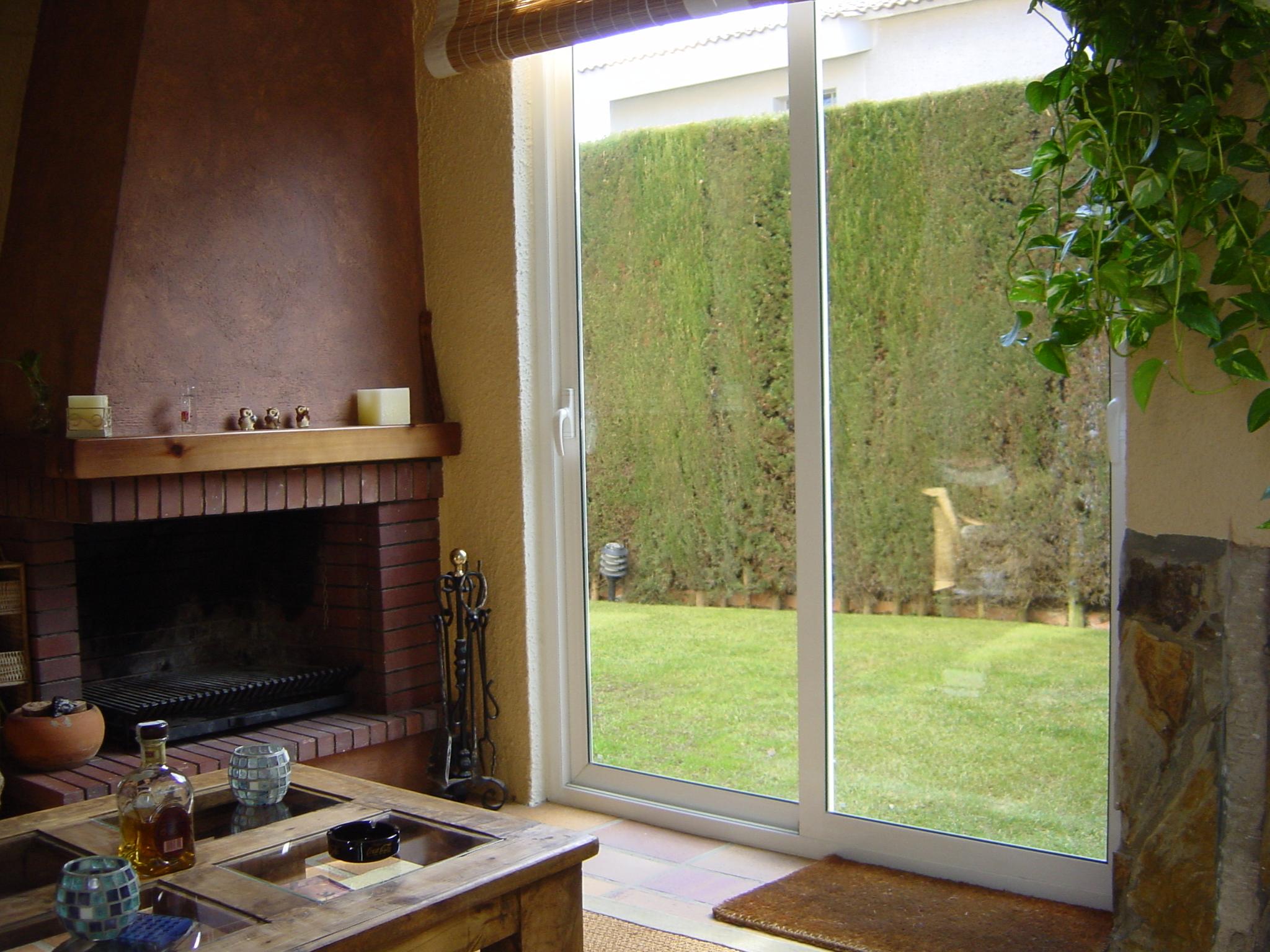 ventana aluminio acabado blanco